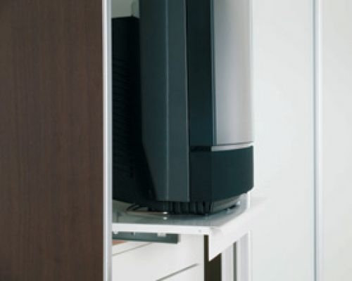 topschrank-interieur-fernsehauszug3BF3D6D5-FBD3-F4A3-7164-4E98215255AC.jpg