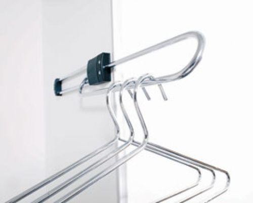 topschrank-seitlicher-kleiderbuegelaus2CB94351-F348-3105-7680-49880337CED7.jpg